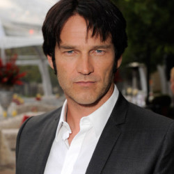 Stephen Moyer talks Billsbabes, sex on tv and more (updated)