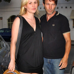 "Anna Paquin and Stephen Moyer ""beauty salon"" together"