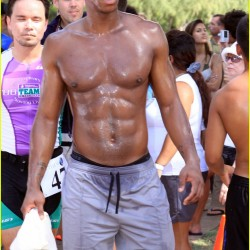 Mehcad Brooks participates in triathalon