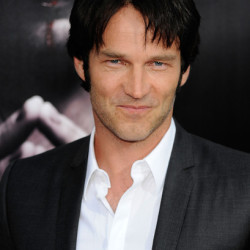 Stephen Moyer to present at the Emmy Awards