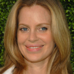 Kristin Bauer Submits Screenplay to Silver Screenwriting