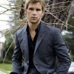 More Ryan Kwanten photos