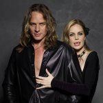 Abri van Straten and Kristin Bauer on WomensRadio Music Review