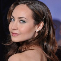"""Courtney Ford to Join cast of """"Revenge"""""""