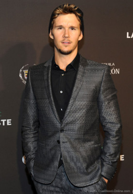 63317672thevault252011105043AM 274x400 Ryan Kwanten and Joe Manganiello attend Pre Super Bowl Events