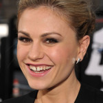 "Anna Paquin arrives at the ""Scream 4″ World Premiere"