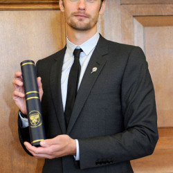 Alexander Skarsgård poses with Honorary Doctorate Degree