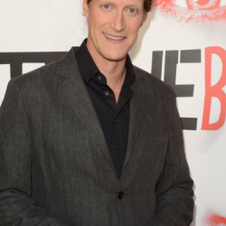 "Christopher Heyerdahl to guest star on ""Beauty and the Beast"""