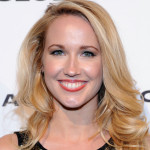 "Anna Camp to be in comedy pilot ""Damaged Goods"""