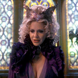 "Kristin Bauer is returning to ""Once Upon A Time"""