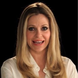 Kristin Bauer van Straten sends her thanks to all loyal Truebies