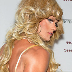 Alexander Skarsgård attends film red carpet dressed in drag