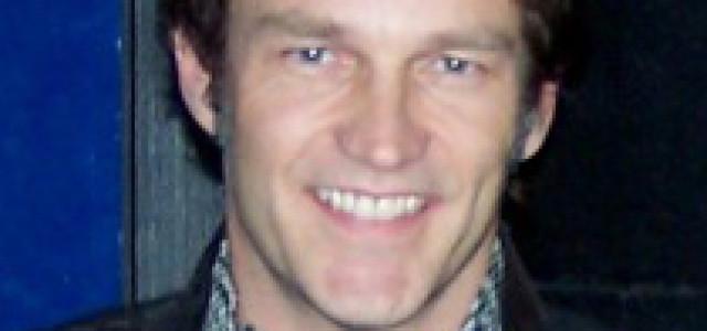 Stephen Moyer falls off horse on True Blood set