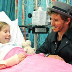 Ryan Kwanten helps out with charity