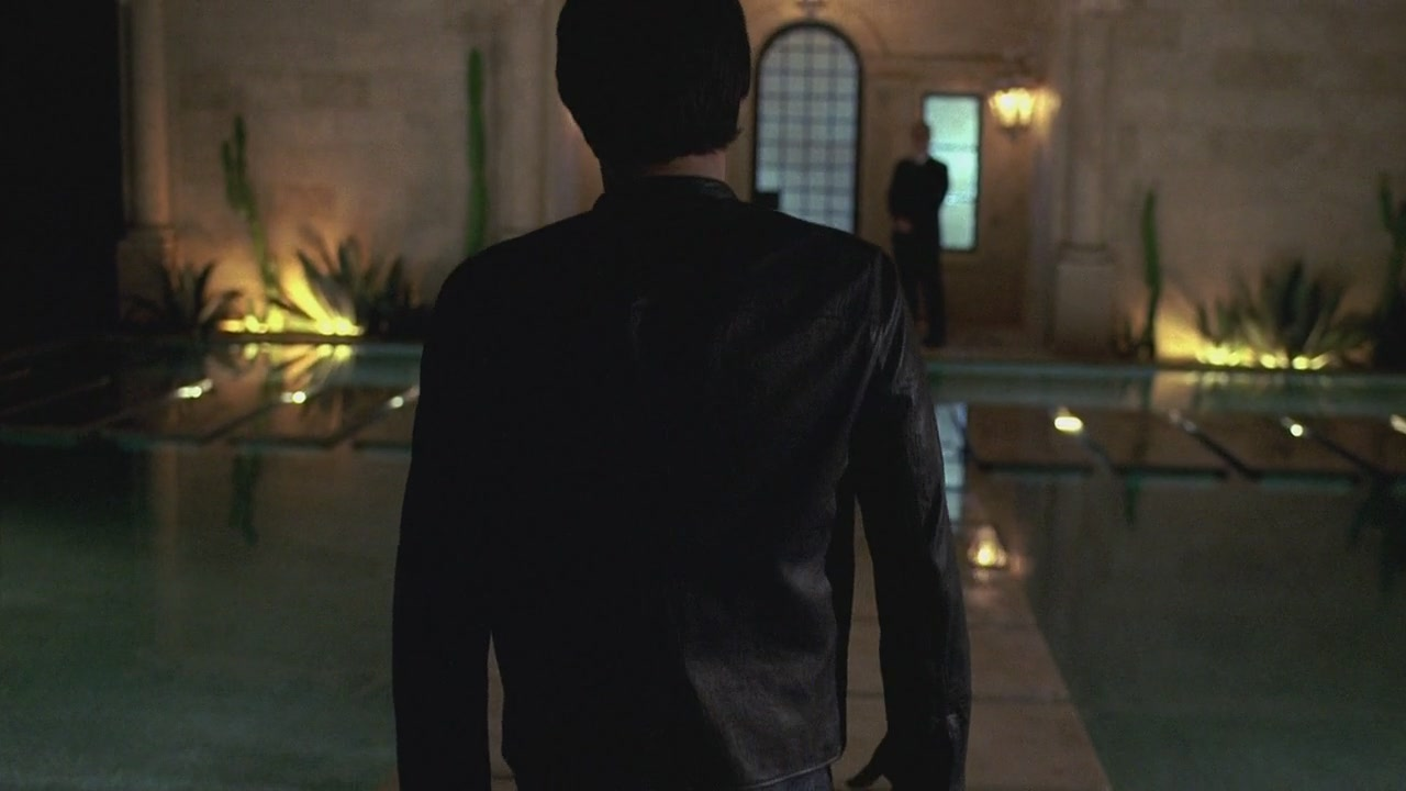 Bill walks to Queen Sophie Anne's mansion at the end of True Blood Season 2