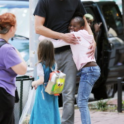 Alexander Skarsgård video and photos on the set of 'What Maisie Knew'