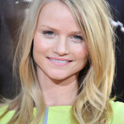 Lindsay Pulsipher  to play Randall McCoy's daughter in 2012 miniseries