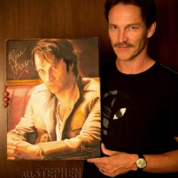 Exclusive photo: Stephen Moyer poses with Kristin Bauer's portrait of Bill Compton