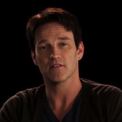 "Stephen Moyer says Thank You to the Fans and Bill Compton says ""SOOKIE"""